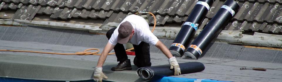 dakdekker op dak